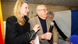 Μαριόν Μαρεσάλ Λεπέν: Στα δεξιά του... παππού της από τα 2 της