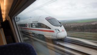 Τρένο εν κινήσει χωρίς οδηγό!