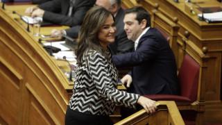 Τσίπρας - Μπακογιάννη: Της... οίησης το ανάγνωσμα στην ερώτηση για τις τράπεζες