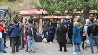Συγκρούσεις με μετανάστες στην Πλατεία Βικτωρίας