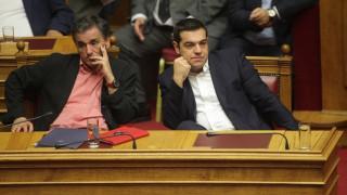 Στη Βουλή το νομοσχέδιο για τα «κόκκινα» δάνεια και το μισθολόγιο του Δημοσίου