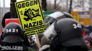 Αστυνομική επέμβαση και ένταση σε πορεία νεοναζί στη Λειψία