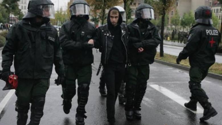 Ξεπερνούν τους 50 οι τραυματίες από τα επεισόδια στη Γερμανία