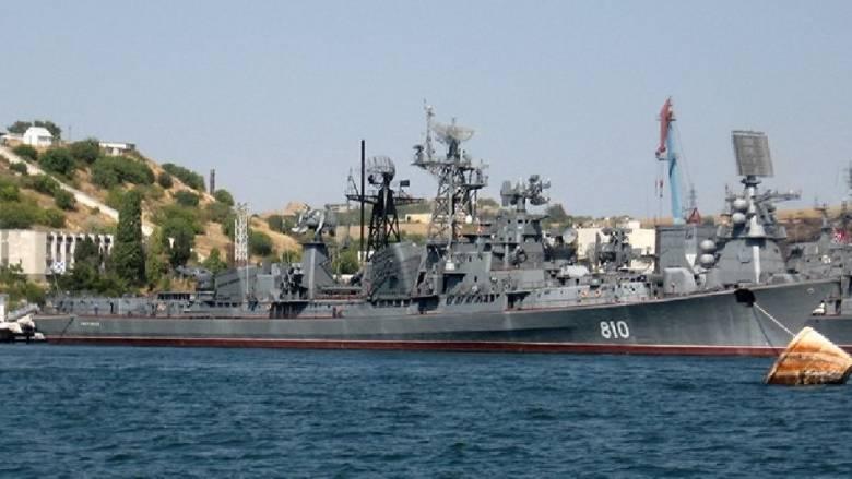 Ρωσικό πολεμικό πλοίο έριξε προειδοποιητικά πυρά σε τουρκικό