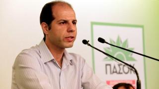 Ανακοίνωση με αιχμές από το ΠΑΣΟΚ μετά την επίθεση με μολότοφ στα γραφεία του