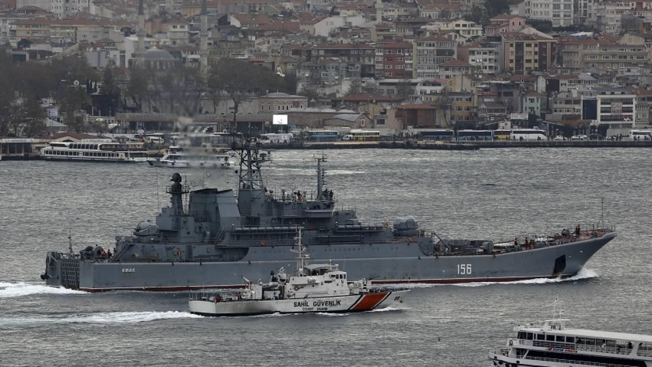 Ρωσικά πλοία ανάγκασαν τουρκικό να αλλάξει πορεία