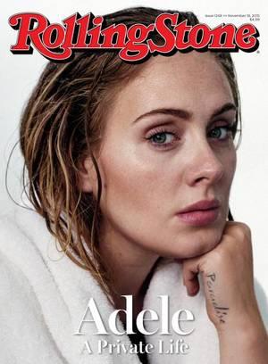"""Rolling Stone, Noέμβριος 19, 2015, φωτογραφία από τον Theo Wenner. """"Πριν τη φωτογράφιση είδα κάθε φωτογραφία που της έχουν βγάλει. Είναι προφανές πόσο όμορφη είναι. Ήθελα να δείξω τον πιο απλό εαυτό της, αυτόν που μπήκε στο studio... Έχει πραγματικό βάθο"""