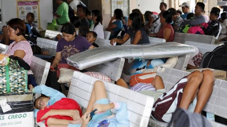 Σάρωσε τις Φιλιππίνες ο τυφώνας Μελόρ αφήνοντας νεκρούς