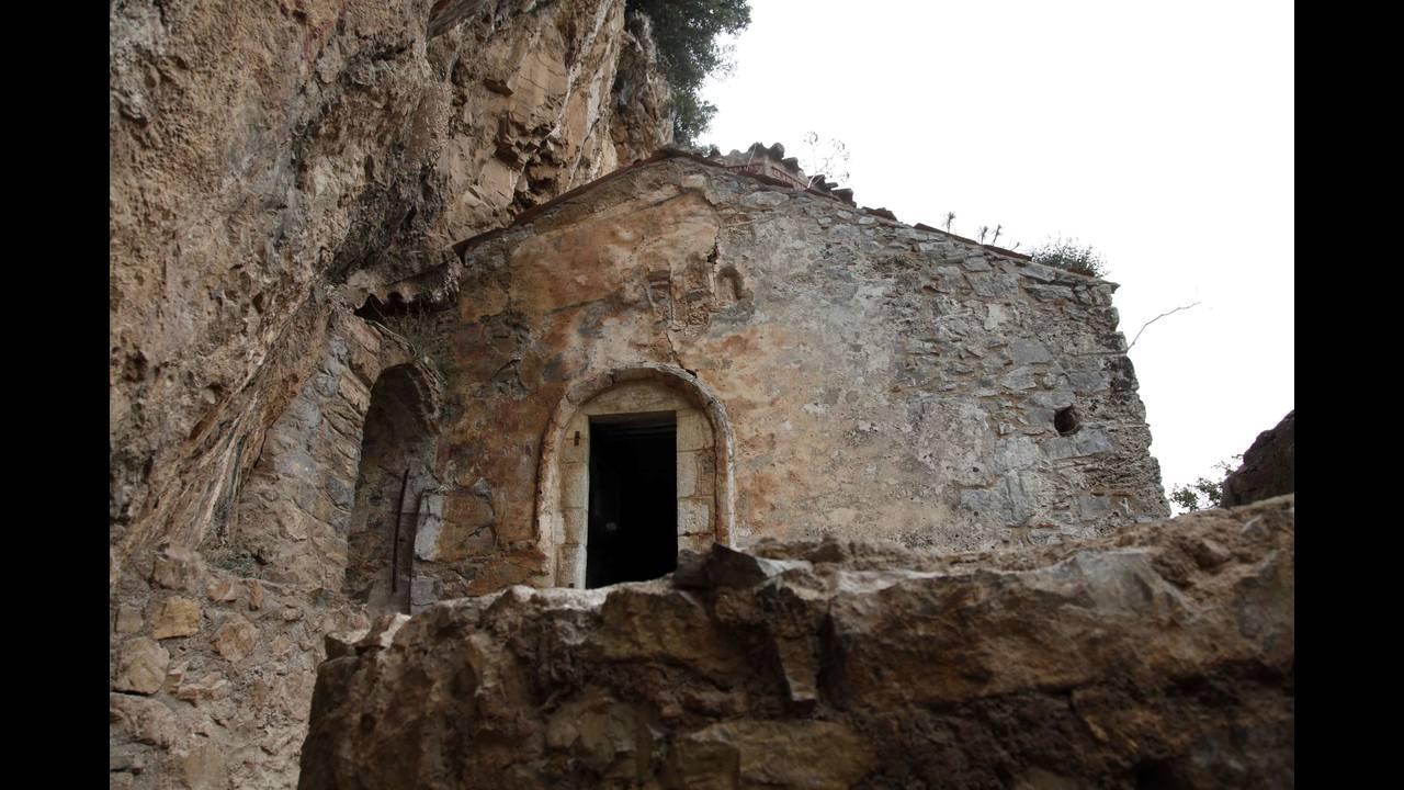 https://cdn.cnngreece.gr/media/news/2015/12/15/15585/photos/snapshot/oreini-arkadia-dimiotsana.jpg