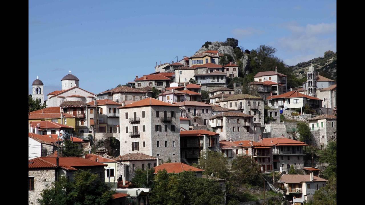https://cdn.cnngreece.gr/media/news/2015/12/15/15585/photos/snapshot/oreini-arkadia-dimiotsana9.jpg