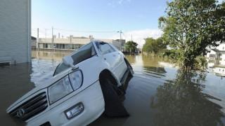 Σοβαρές ζημιές και μπλακ-άουτ στο Σίδνεϊ εξαιτίας σπάνιου τυφώνα
