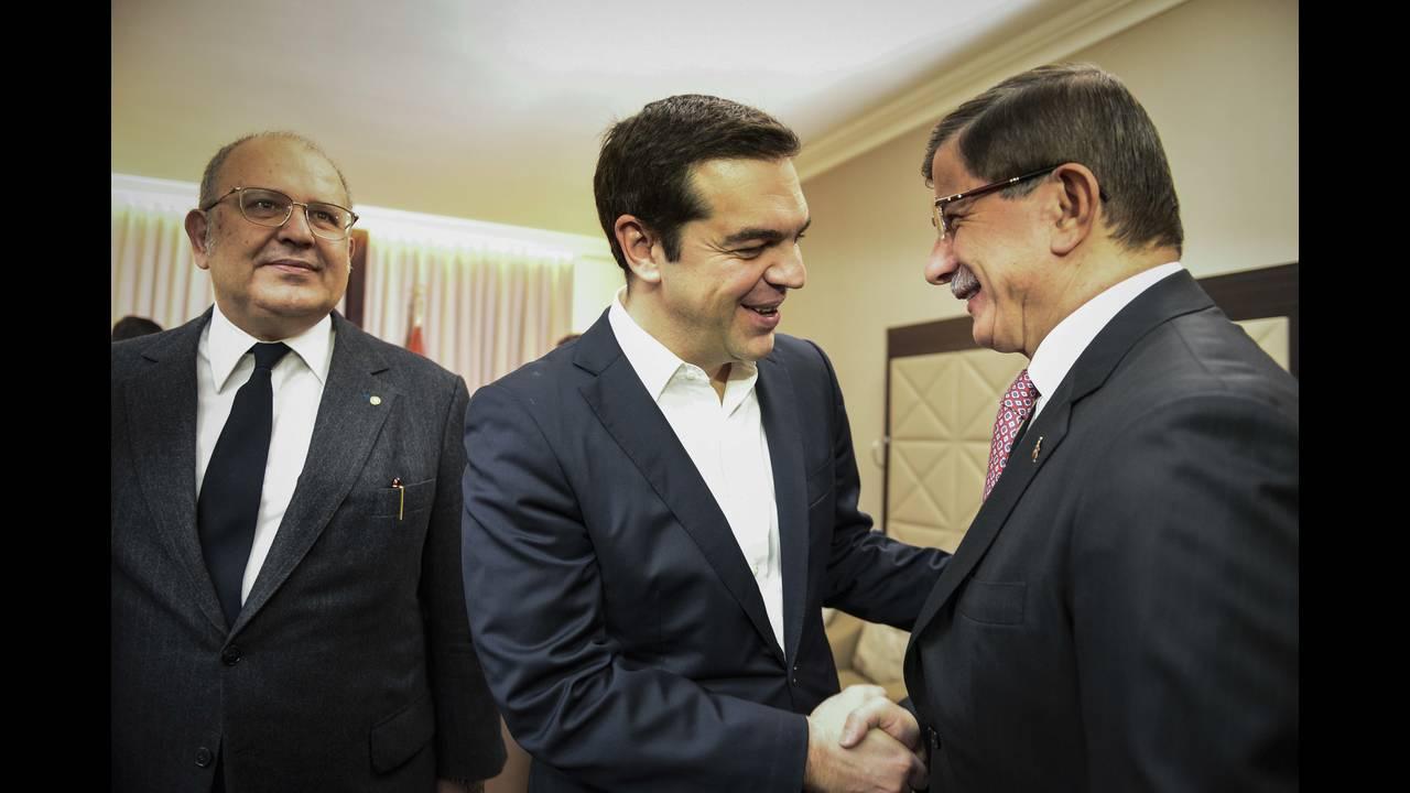 https://cdn.cnngreece.gr/media/news/2015/12/17/15761/photos/snapshot/_ABP0545-1.jpg