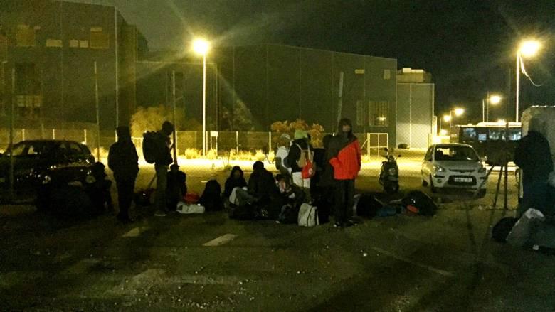 Χάος στη μεταφορά των μεταναστών από το τάε κβον το στο Ελληνικό