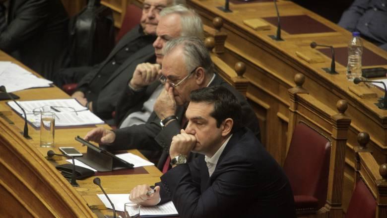 Ανησυχία Τσίπρα για τα νέα μέτρα και τη συνοχή της κυβέρνησης