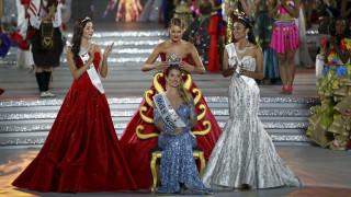 Η Ισπανίδα ψηφοφόρος Μιρέια είναι η Μις Κόσμος 2015