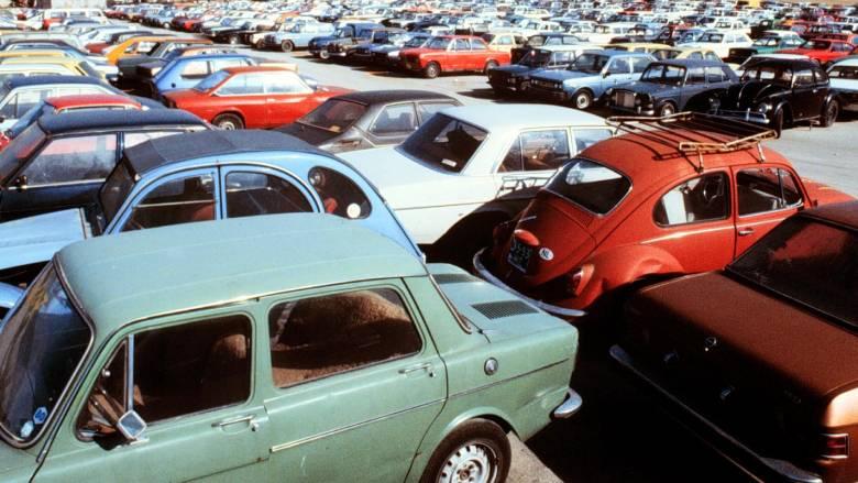 Παράταση της απόσυρσης αυτοκινήτων έως τις 31 Μαρτίου 2016 εξετάζει η κυβέρνηση