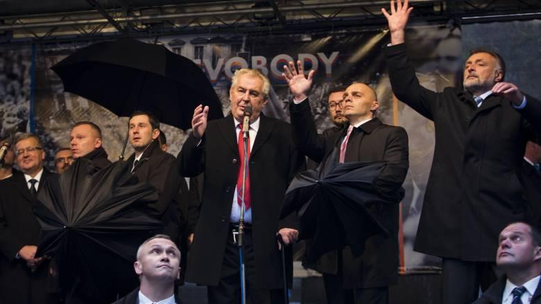Ο Τσέχος πρόεδρος που δεν θέλει την Ελλάδα στην Ευρωζώνη