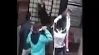 Σοκ στην Καζαμπλάνκα: Ξυλοκόπησαν άγρια και πυρπόλησαν άστεγο