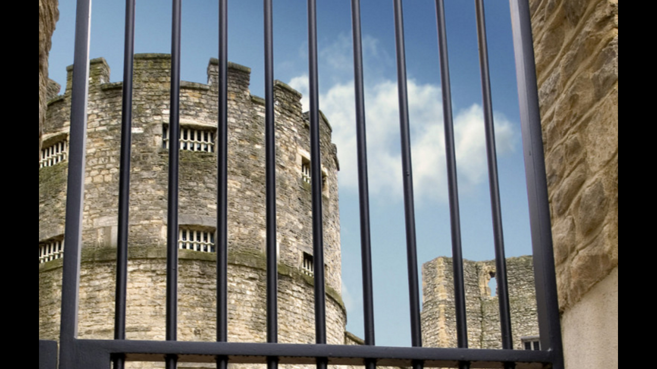 https://cdn.cnngreece.gr/media/news/2015/12/23/16334/photos/snapshot/7.-oxford-castle.PNG