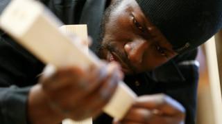 Οι Γερμανοί «βλέπουν» θετικά αποτελέσματα από τη φιλοξενία προσφύγων