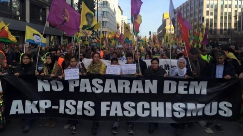 Χιλιάδες Γερμανοί διαδήλωσαν στο Ντίσελντορφ κατά της Τουρκίας