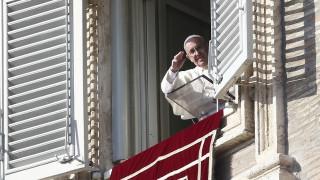Για εξεύρεση λύσης για τους κουβανούς μετανάστες καλεί ο Πάπας