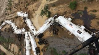 Τρένο εκτροχιάστηκε με 200.000 λίτρα θειικού οξέως