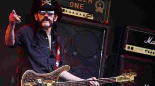 «Έφυγε» στα 70 του ο frontman των Motörhead, Λέμι