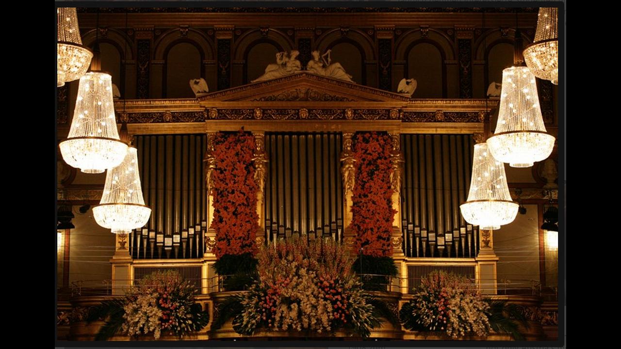 https://cdn.cnngreece.gr/media/news/2015/12/29/16870/photos/snapshot/ViennaPhilharmonicWPHJeannetteHandler.png