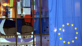 Γκίντερ Έτινγκερ: «Ανησυχώ για αποσύνθεση της Ε.Ε»