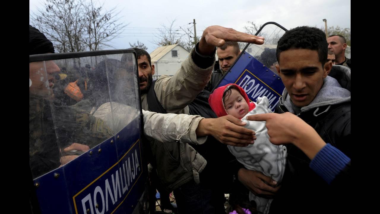 https://cdn.cnngreece.gr/media/news/2015/12/30/16971/photos/snapshot/-2015-11-22T162633Z_1461357312_GF20000070048_RTRMADP_3_EUROPE-MIGRANTS-GREECE.JPG