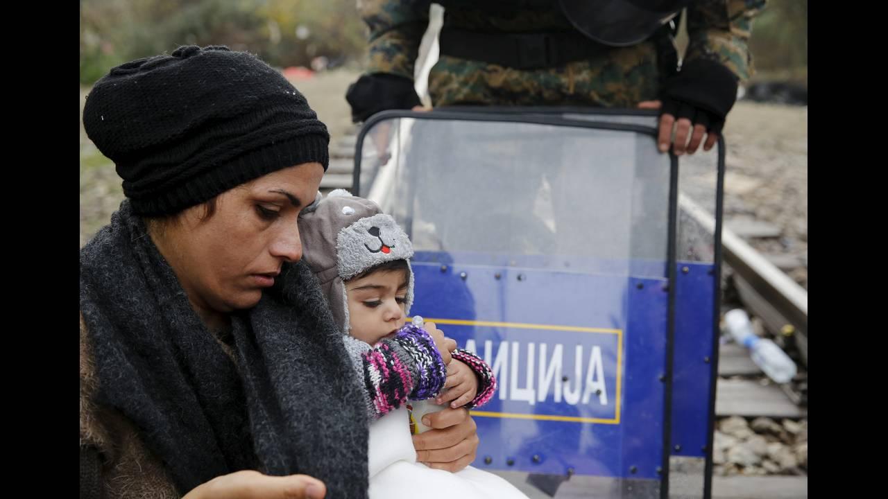 https://cdn.cnngreece.gr/media/news/2015/12/30/16971/photos/snapshot/-2015-11-25T115343Z_58021437_GF20000073235_RTRMADP_3_EUROPE-MIGRANTS-GREECE.JPG