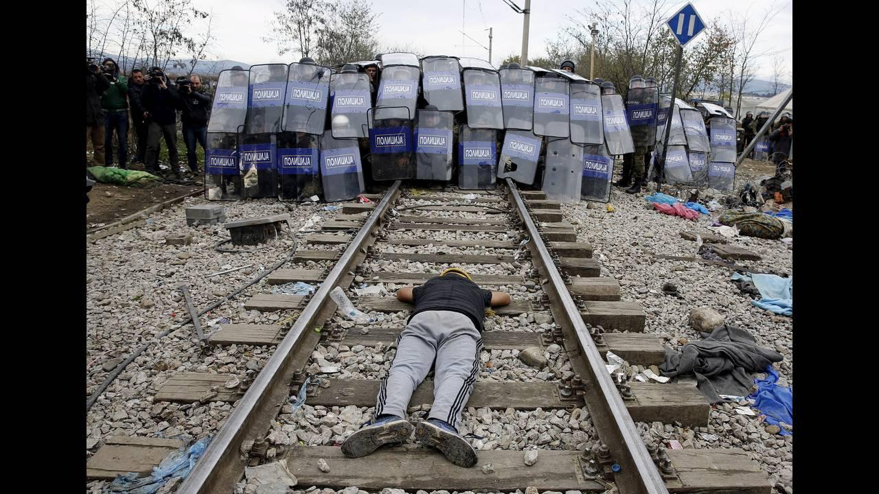 https://cdn.cnngreece.gr/media/news/2015/12/30/16971/photos/snapshot/-2015-11-29T005459Z_700995960_GF20000077755_RTRMADP_3_EUROPE-MIGRANTS-GREECE.JPG