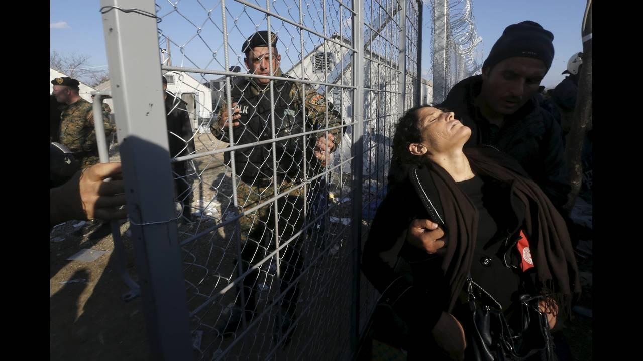 https://cdn.cnngreece.gr/media/news/2015/12/30/16971/photos/snapshot/-2015-12-04T141302Z_1216672496_GF10000254502_RTRMADP_3_EUROPE-MIGRANTS-GREECE.JPG