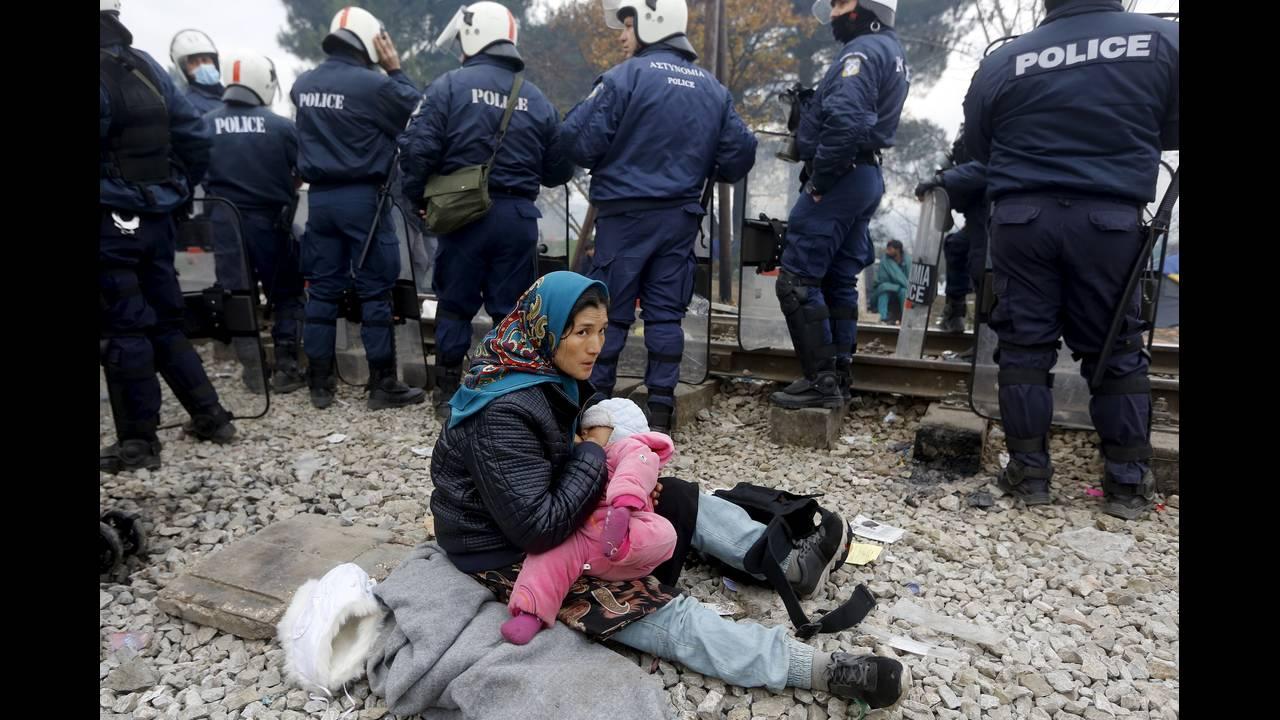 https://cdn.cnngreece.gr/media/news/2015/12/30/16971/photos/snapshot/-2015-12-04T142929Z_1290327564_GF10000254517_RTRMADP_3_EUROPE-MIGRANTS-GREECE.JPG
