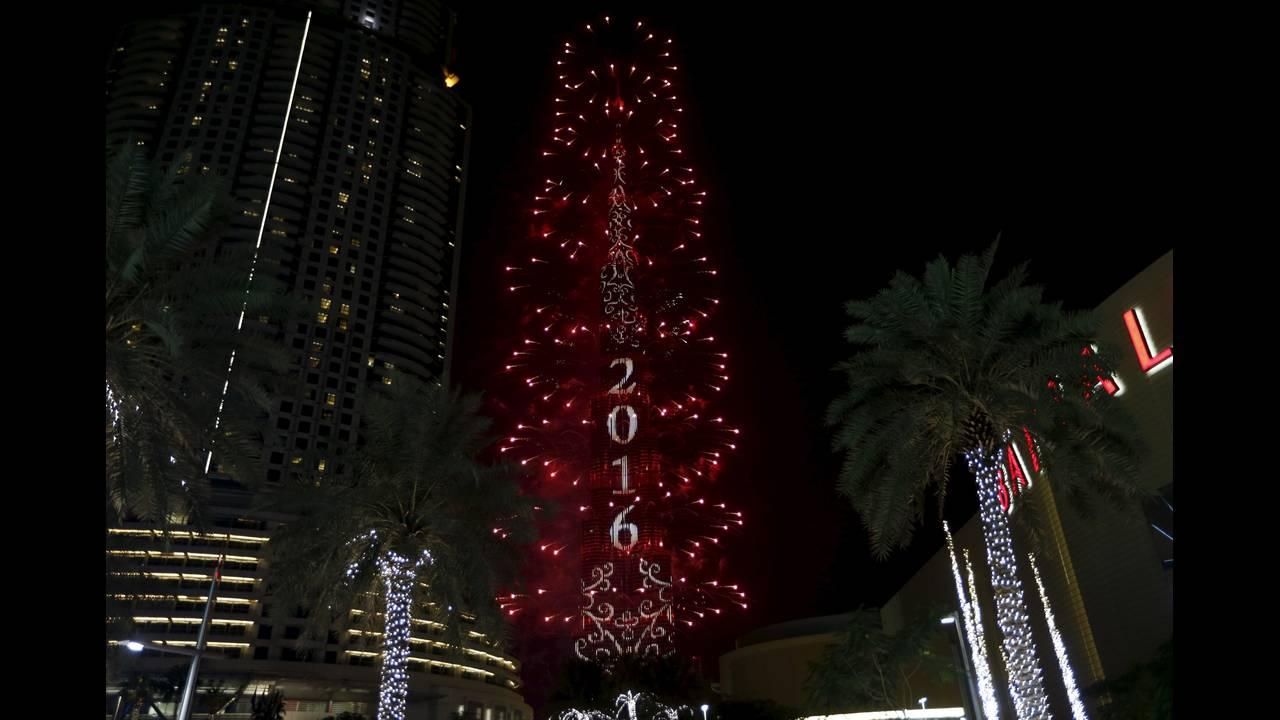https://cdn.cnngreece.gr/media/news/2016/01/01/17108/photos/snapshot/DUBAI_HALIFA.JPG