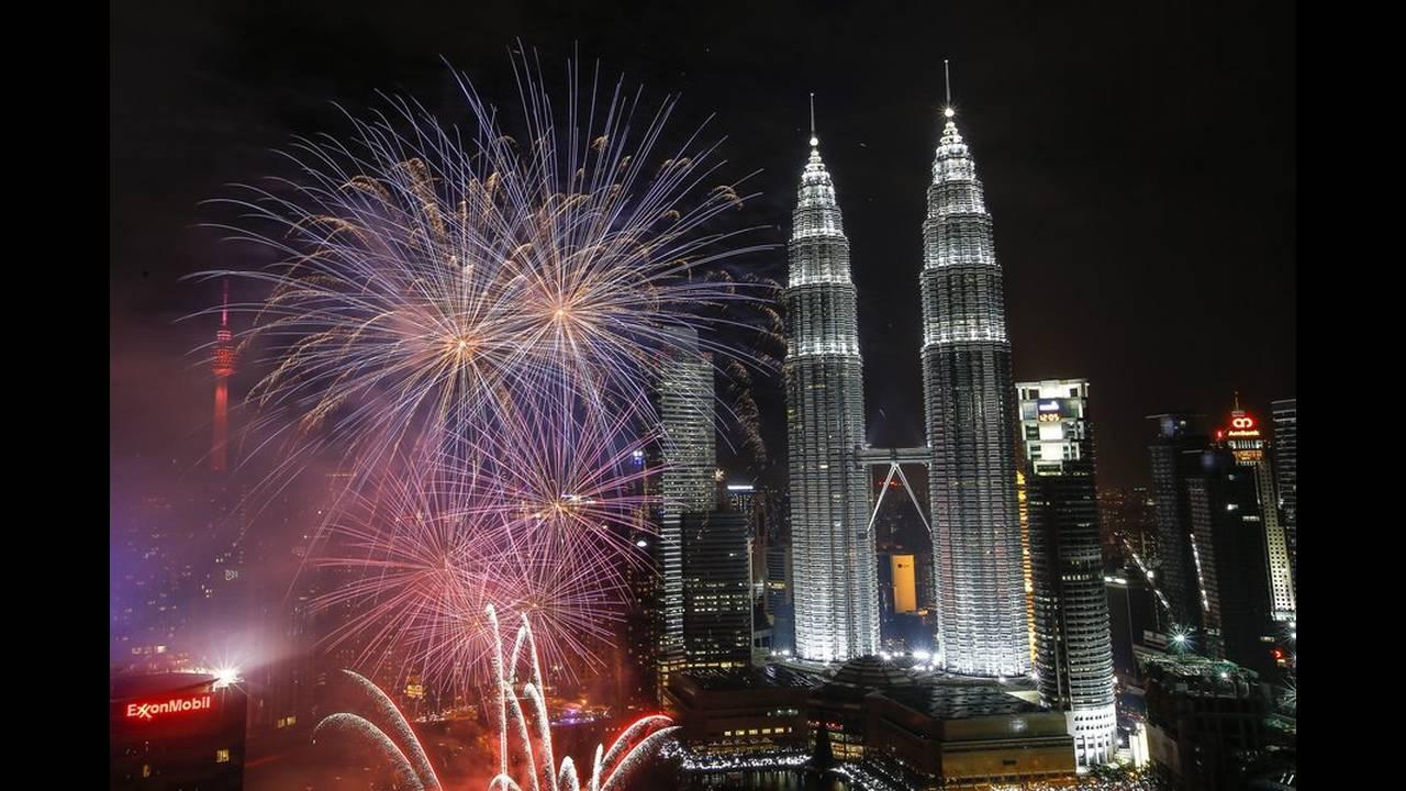 https://cdn.cnngreece.gr/media/news/2016/01/01/17108/photos/snapshot/malaysia.jpg