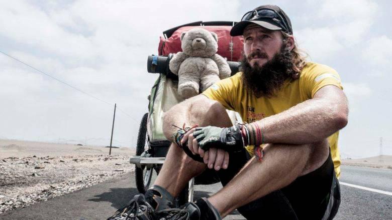 Διένυσε 17.000 χλμ σε 17 μήνες για φιλανθρωπικό σκοπό (pics)