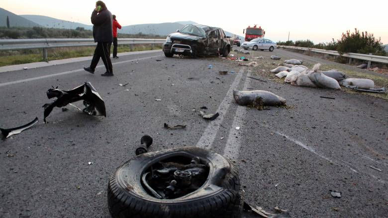 Τροχαίο με οκτώ τραυματίες στην Ακράτα
