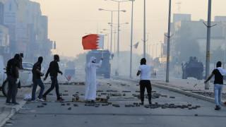 Αντιδράσεις στο Mπαχρέιν και δακρυγόνα