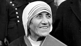 Στα αρχεία της Στάζι και η Μητέρα Τερέζα