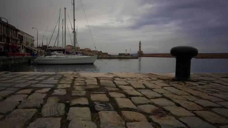 Παρολίγο μοιραία πρόσκρουση πλοίου στο λιμάνι των Χανίων