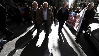 Ασφαλιστικό: Μειώσεις από τα ποσοστά αναπλήρωσης για τους νέους συνταξιούχους