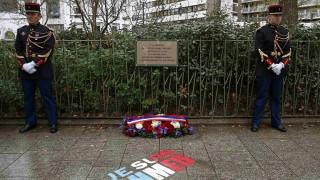 Ο Φρανσουά Ολάντ τίμησε τα θύματα του Charlie Hebdo