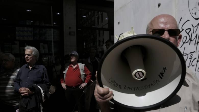 Σφοδρές αντιδράσεις από τα κόμματα της αντιπολίτευσης για το Ασφαλιστικό