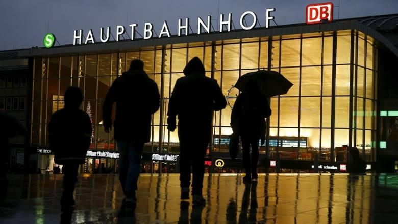 Δεκαοκτώ δράστες της βίας στην Κολωνία είχαν κάνει αίτηση για άσυλο