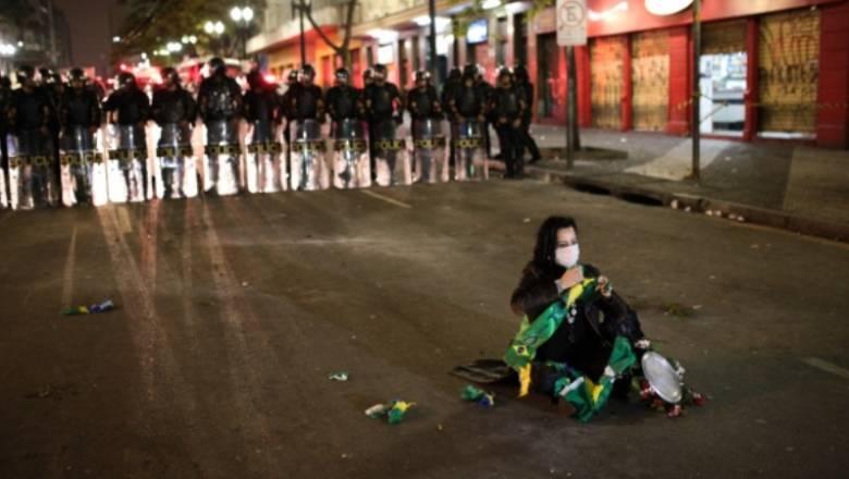 Σοβαρά επεισόδια στη Βραζιλία κατά τη διάρκεια διαδηλώσεων
