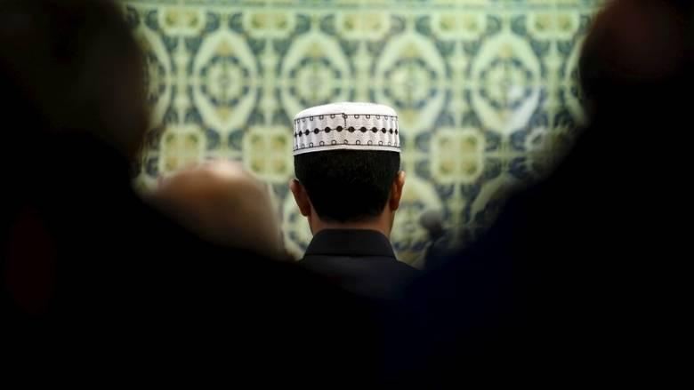Εκδηλώσεις ομόνοιας από τους μουσουλμάνους της Γαλλίας