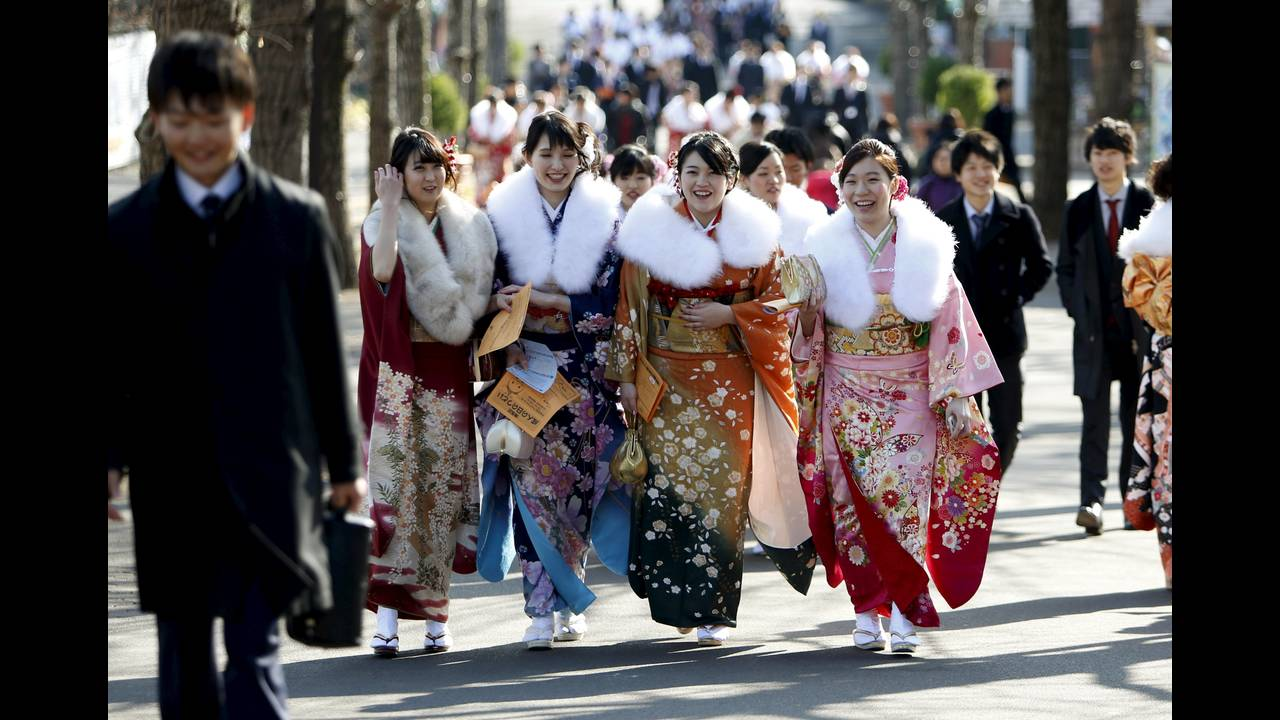 https://cdn.cnngreece.gr/media/news/2016/01/11/18124/photos/snapshot/JAPAN-CULTURE-REUTERSYuyaShino6.jpg