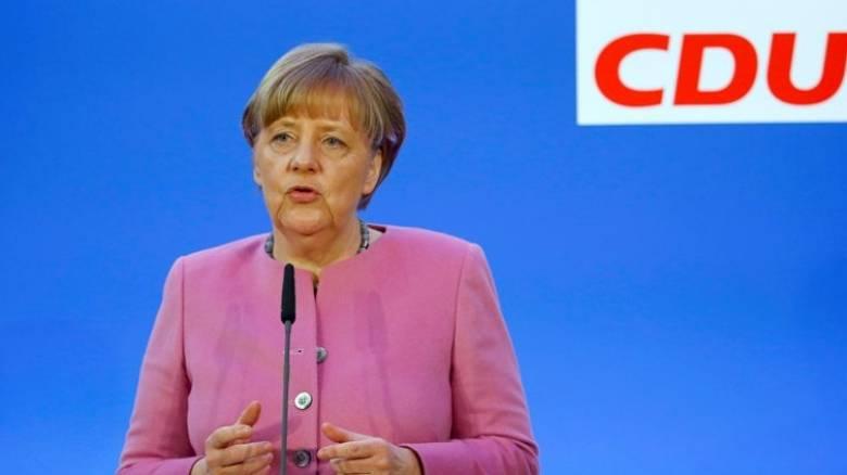Μέρκελ: Ευάλωτη η Ευρώπη απέναντι στην προσφυγική κρίση